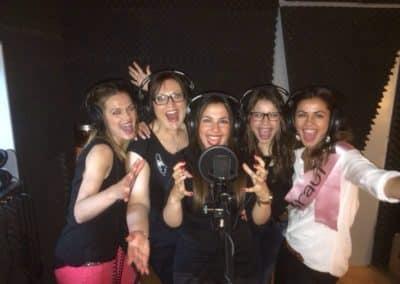 Mädels im Tonstudio - ein besonderes Erlebnis als Gruppe