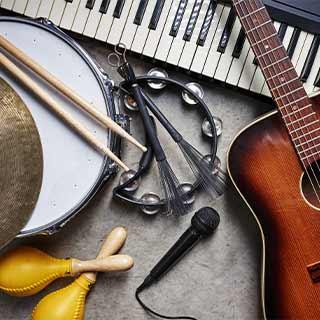 Du kannst deine Gesangsaufnahme mit deinem eigenen Instrument begleiten!